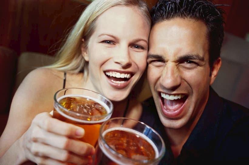 жіночий та чоловічий алкоголізм