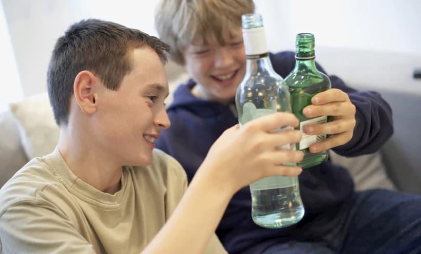 алкоголізм у підлітка