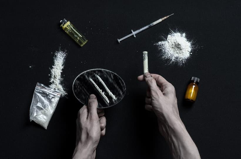 залежність від наркотиків
